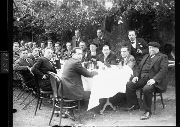 3078. Retrato de los asistentes al banquete a Pachín de Melás. 23-4-1933