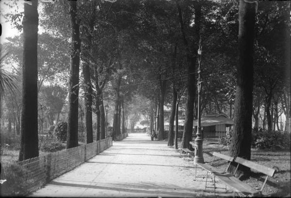 1928 Jardines de Begoña foto de Antonio Carreta