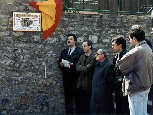 Descubrimiento de placa conmemorativa del Centenario de los tranvías de Gijón