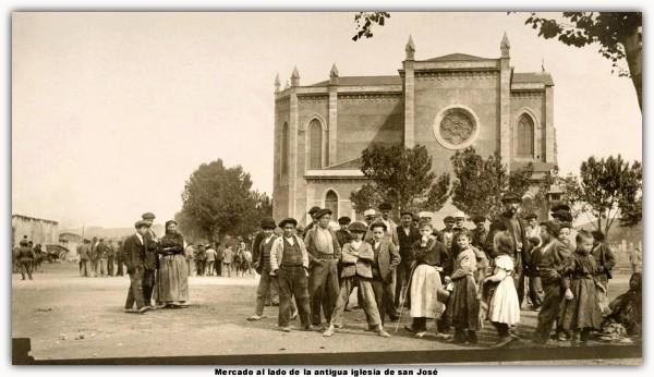 Mercado al lado antigua iglesia de san José. marco