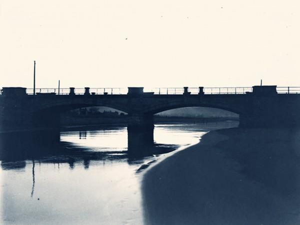 El puente del Piles al amanecer.Constantino Suárez 1929