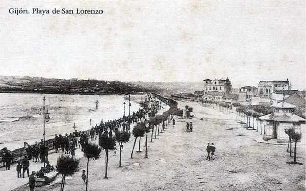 Foto-antigua-Playa-San-Lorenzo-Gijon-650x408