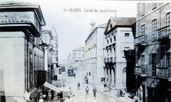 Calle Jovellanos . El libro de Gijón