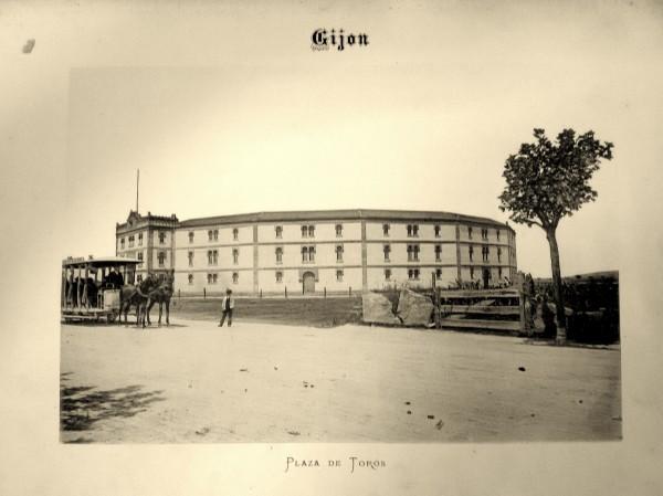 12 Plaza de Toros