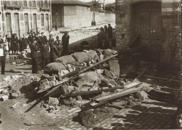 1934 Revolución de Octubre, Barricadas en la avenida Schultz