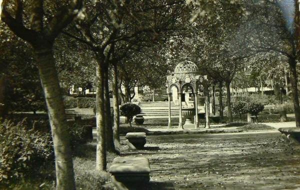 Templete que estuvo instalado en los jardines de Juan Alvargonzalez